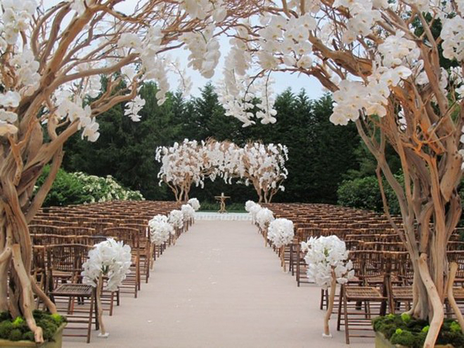 Decoration Allee ceremonie laique fleurie